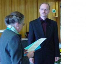 Frau Dr. Gilbert bei der Verleihung des Akademiepreises an Prof. Dr. Peter Bubmann